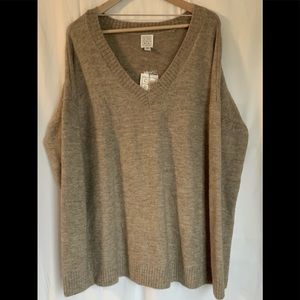 🌵CORE Women V-neck Taupe  Sweater Size L.